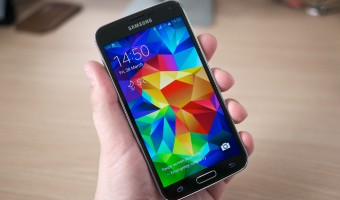 Samsung Galaxy S5 4G features a 2.5 GHz Qualcomm 8974 Pro Processor